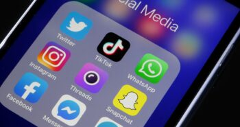 Spotify, Tinder, Pinterest And Other Popular Apps Are Crashing On IPhones Because Of A Facebook Bug