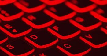"Pakistan blocks 5 ""dating services"" apps: Tinder, Grindr, Tagged, Skout, SayHi"