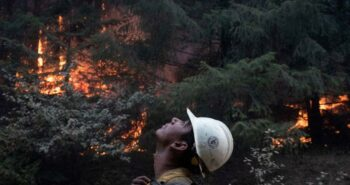 Crews battle wildfires in U.S. West as smoke travels the world – Reuters